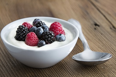 6 Simple Snack Ideas and Healthy Foods for Older Adults