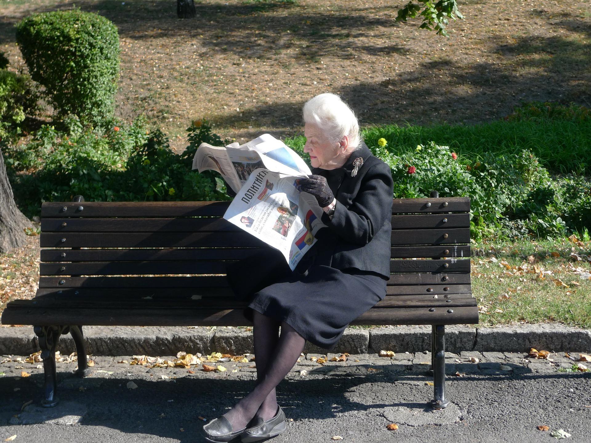 6 Reasons to Prefer Senior Living Communities over Living Alone